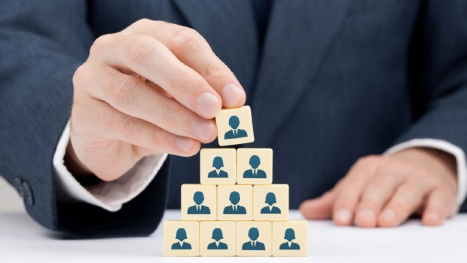 3 Ways Technology Improves The Human Resources